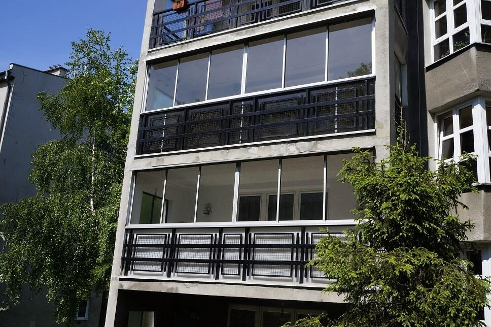 Zabudowy balkonów i tarasów
